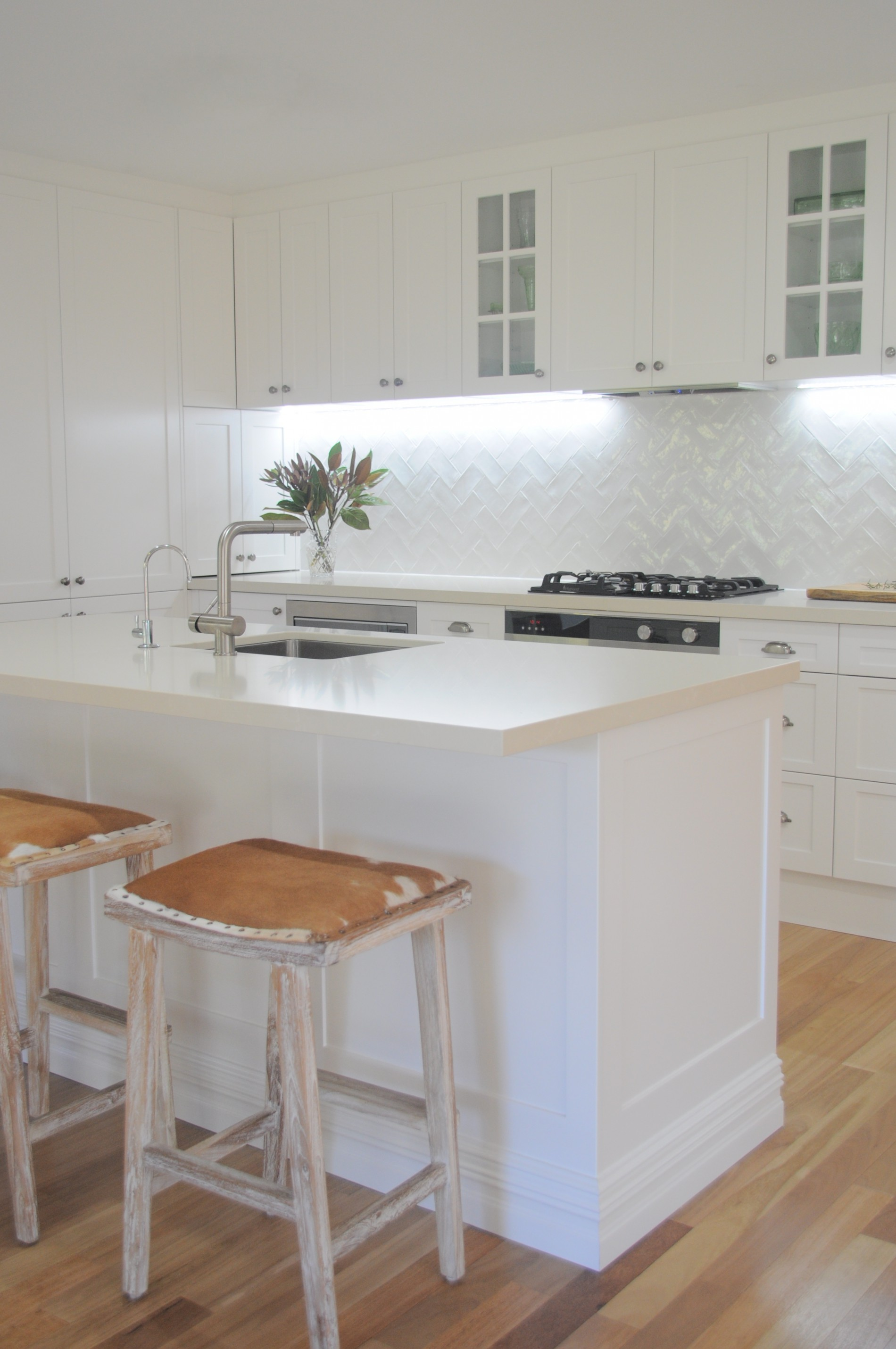 Transitional Kitchen U2013 MY DECORATOR U2013 Helping You Achieve Your Interior  Designing Dreams! Colour Consults, Property Styling.